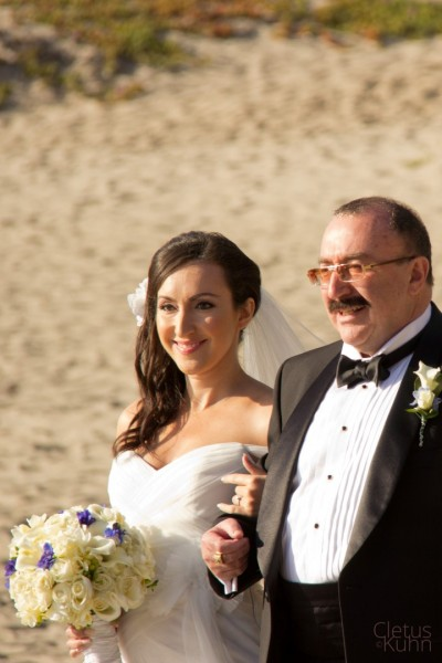 chris-romo-sonia-maslovskya-wedding-malibu-beach-california-2012-021